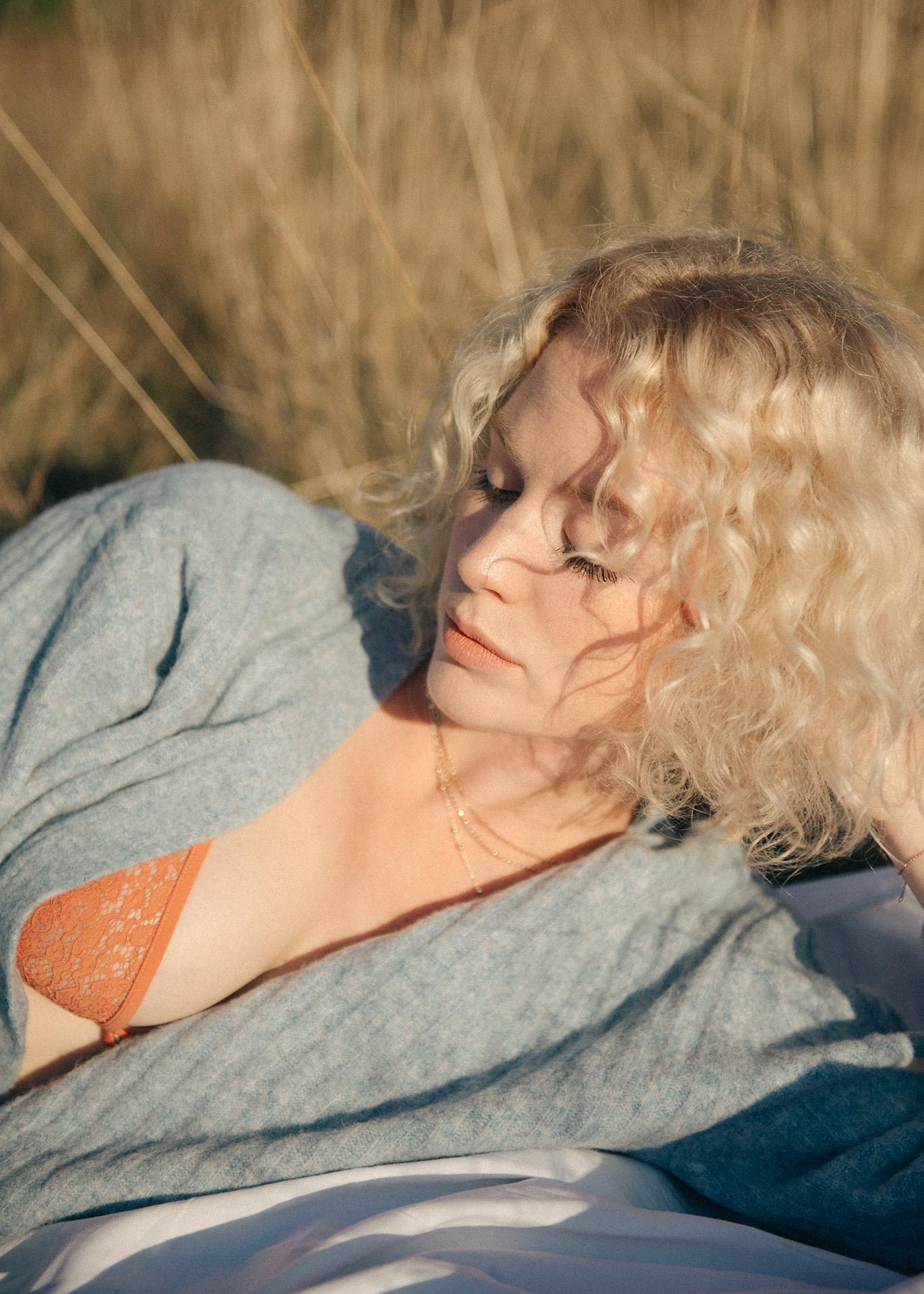Sarah AUBEL agent mel lingerie nude sheer